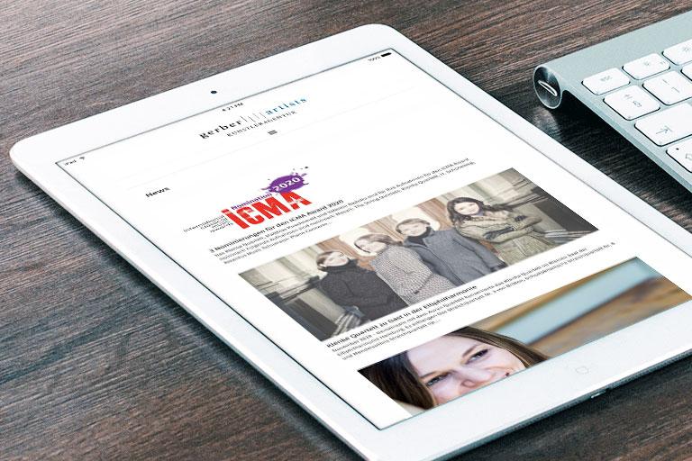 Responsive Ansicht der Website auf dem Tablet